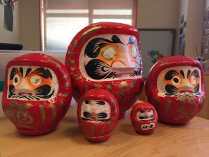 Daruma dolls - setting goals in Japan